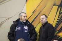 Владимир Кауров (справа) и главный судья Георгий Богомолов